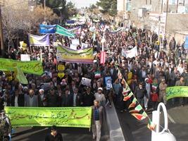 راهپیمایی ۲۲ بهمن در مه ولات با حضور باشکوه مردم برگزار شد