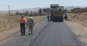 عملیات روکش آسفالت گرم محور روستایی حشمت آباد ـ نسر انجام شد