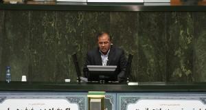 دولت نباید حل مشکلات اقتصادی را منوط به رفع تحریمهای ظالمانه دشمنان ملت ایران بداند